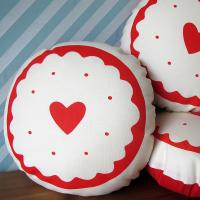 Wholesale Round red heart christmas Cotton Throw Pillows Custom Printed from china suppliers